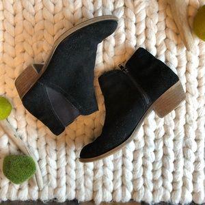 KENSIE-GABBIE- Black Suede Booties- Size 8